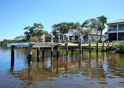 Dock with Beamless Deco Boatlift