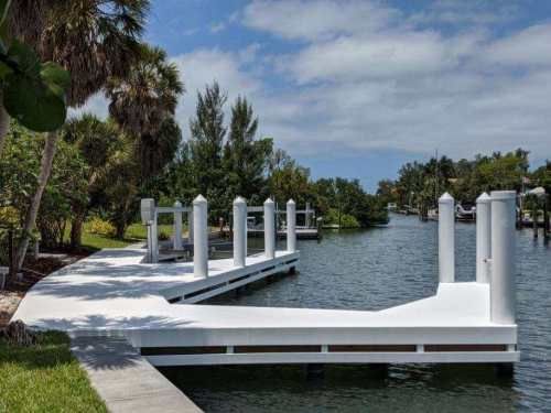 White Wear Deck dock with boatlift